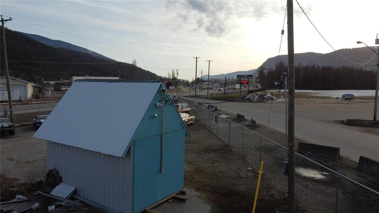 1310 Trans Canada Highway,, Sicamous, British Columbia  V0E 2V1 - Photo 14 - 10225863
